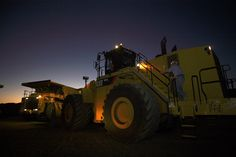993k loader | Caterpillar® announces new safety features on the 993K Wheel Loader