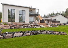 Bouldering, Wall Design, Firewood, Outdoor Gardens, Garden Ideas, House Plans, Home And Garden, Patio, Outdoor Decor
