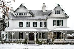 the grand victorian bed and breakfast on the niagara parkway - Google Search Victorian Bed, Bed And Breakfast, Mansions, Christmas Wedding, House Styles, Travel, Google Search, Holiday, Home Decor