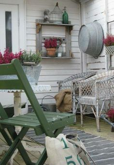 Country porch * Schoolhouse Country Gardens *