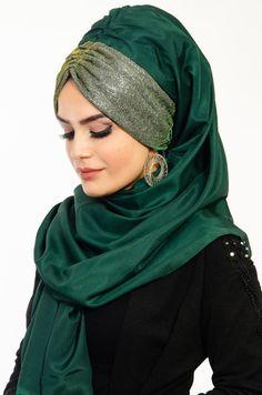 - Aişe Tesettür - Zümrüt Büzgülü Bandana Pratik Simli Şal Pashmina Hijab Tutorial, Hijab Style Tutorial, Mode Turban, Turban Hijab, Hijab Wedding Dresses, Hijab Bride, Simple Hijab, Hijab Caps, Modele Hijab