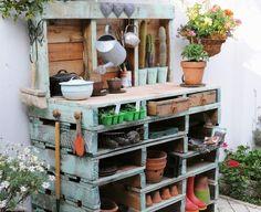 30 Genius Ways to Use Pallets in Your Garden