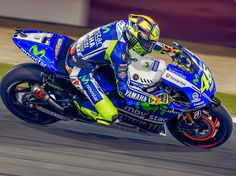 """7,822 Likes, 16 Comments - Valentino Rossi 🎯 (@valeyellow46br) on Instagram: """"#TBT Brakes on fire 🔥 🔥 🔥 #ValentinoRossi 🇮🇹 🇶🇦 #QatarGP #agv #agvhelmets #agvrider #dainesecrew…"""""""