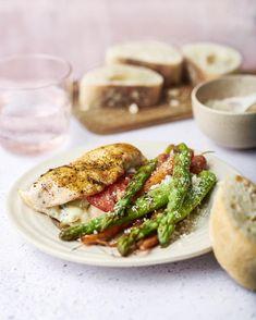 Ciabatta, Poulet Caprese, Salmon Burgers, Asparagus, Barbecue, Good Food, Fun Food, Foodies, Nom Nom