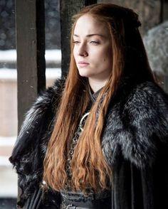 Sophie Turner as Sansa Stark, Game of Thrones Season 7 Sansa Stark, Bran Stark, Game Of Thrones Sansa, Game Of Thrones Funny, Game Of Thrones Characters, Jon Snow, Winter Is Here, Winter Is Coming, Sophie Turner