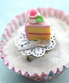 strawberry cake slice ring