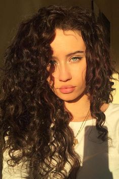 Pretty Looks with Curly Hair for a Woman Who Values Her Time ★ Beautiful Curly Hairstyles with Long Hair Picture 2 ★ See more: http://glaminati.com/curly-hair/ #curlyhair #curlyhairstyle