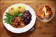 Thüringer Klöße, Gulasch und Rotkohl und Quarkkeulchen (Traditionelle Thüringer Küche)
