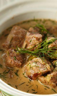 Rostockin lihapata   Maku Bon Appetit, Food Inspiration, Beef Recipes, Stew, Curry, Good Food, Pork, Food And Drink, Meat