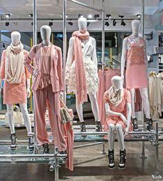 Color principal y dos colores terciariosDKNY, London 2010