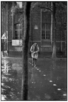Henri Cartier-Bresson :: Sculptor Alberto Giacometti, Rue d'Alésia, Paris, 1961