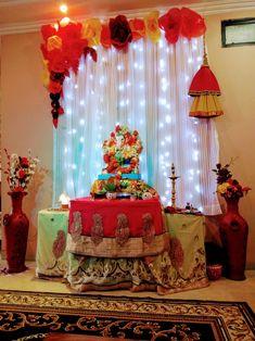 Gauri Decoration, Mandir Decoration, Ganpati Decoration Design, Ganapati Decoration, Diwali Decorations At Home, Backdrop Decorations, Festival Decorations, Small Balcony Decor, Balcony Ideas
