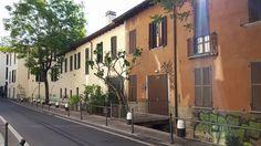 E' una della nostre vie preferite: via Magolfa. Si respira l'aria di un tempo... Foto di Fabiola Ticozzelli #milanodavedere Milano da Vedere