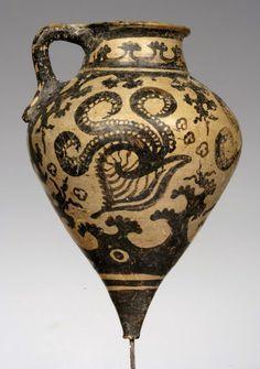 7194e9de775061ba44e6c0407854b127.jpg (236×335)  Πήλινο ρυτό από το ανάκτορο της Φαιστού. 1500-1450 π.Χ. Αρχαιολογικό Μουσείο Ηρακλείου.