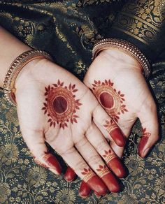 Mehndi Designs that are simple but beautiful