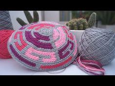 Mochila Wayúu Flores a Crochet - Parte 1 Base - YouTube Crochet Hats, Crocheted Bags, Diy Home Crafts, Beanie, Tapestry, Embroidery, Crochet Purses, Tejidos, Make A Purse