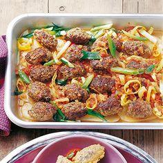 Frikadellen auf Hausfrauenart Healthy Recipe Videos, Healthy Recipes, Healthy Meal Prep, Burger Recipes, Ground Beef, Food Videos, Paleo, Veggies, Lunch