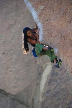 This girl is on fire.. Always hear this song when watching Daila climb. :-)