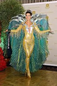 Osmariel Villalobos, en el Miss Earth 2012 de Venezuela en una Fantasía Recreando la Naturaleza Inspirado en el Rayo del Catatumbo...