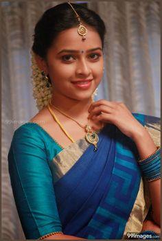 Sri Divya Cute HD Photos – Source by rehmatqureshi Indian Celebrities, Beautiful Celebrities, Beautiful Actresses, Bollywood Actress Hot Photos, Actress Photos, Beauty Full Girl, Beauty Women, Women's Beauty, Bridal Beauty