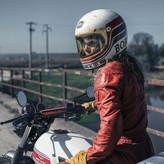 || @premier_helmets || ❤️ Girls on Motorcycles ||