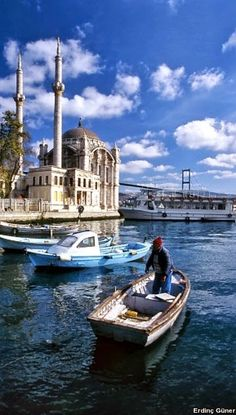 This Pin was discovered by Erd Cool Places To Visit, Places To Travel, Travel Destinations, Places To Go, Travel Around The World, Around The Worlds, Turkey Holidays, Blue Mosque, Modern Metropolis