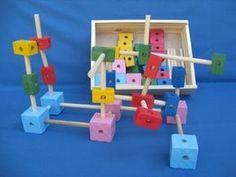 Equipos de Construcciones - Juguetes didácticos, material didáctico, jardin de infantes, nivel inicial, Juegos, Juguetes en madera Wooden Blocks For Kids, Kids Blocks, Diy For Kids, Crafts For Kids, Diy Crafts, Wooden Words, Woodworking For Kids, Montessori Toys, Wood Toys