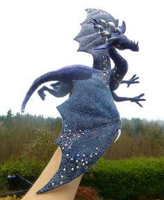 West of the Moon - sky dragon by Shalladdrin on DeviantArt Felt Fabric, Fabric Dolls, Fabric Art, Needle Felted Animals, Felt Animals, Needle Felting, Felt Dragon, Toy Dragon, Dragon Project