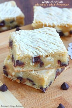 Sweet, buttery with a gooey center and a crispy paper-thin top crust, these white chocolate chocolate chip brownies are as rich as your dark chocolate brownie!