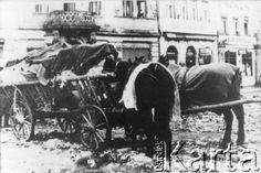 Po 1945, Zgorzelec (Gorlitz), Polska.  Wozy uciekinierów na Rynku miasta.  Fot. NN, z dziennika dr Franciszka Scholza, udostępniła Elżbieta Buława.