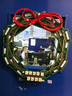 How Tech Support Does Wreaths