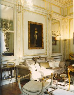 Edward VIII and Wallis Simpson (Duke and Duchess of Windsor)'s Villa on the Bois de Boulogne, Blue salon English Country House, House Design, Decor, Beautiful Interiors, Furniture, French Decor, Home, Interior, Family Room