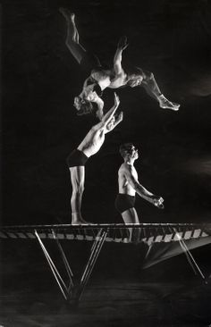 The photographer Gjon Mili was hailed for his work illustrating entire sequences of human movement in a single image. Gjon Mili, The New Yorker, Single Image, Science, Illustration, Artist, Photography, Life, Drawing