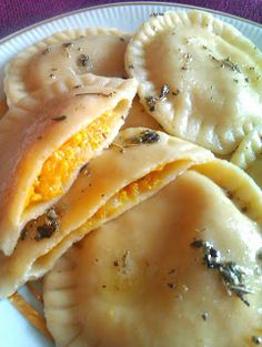Discover recipes, home ideas, style inspiration and other ideas to try. Homemade Dumplings, Magic Recipe, Food L, Yummy Mummy, Polish Recipes, Appetisers, Appetizer Recipes, Food To Make, Food And Drink