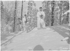 Venäläiset olivat tulleet jääkentän yli avorivissä ja yllättäneet suomalaiset karulla tavalla: Viipurinlahden jää kantoi panssarivaunuja. Niitä oli ihan liikaa, kymmeniä.