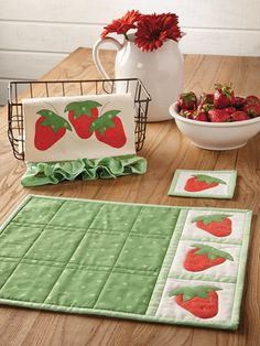 Use quilt patterns from Annie's to create beautiful and traditional quilts to decorate your home. Handmade quilts also make thoughtful gifts or keepsakes to hand down. Table Runner And Placemats, Table Runner Pattern, Quilted Table Runners, Book Crafts, Diy And Crafts, Strawberry Kitchen, Place Mats Quilted, Summer Quilts, Mug Rugs