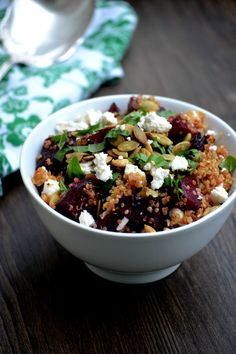 Bakeaholic Mama: Roasted Beet and Quinoa Salad