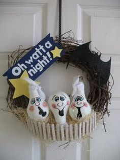 lightbulb crafts | Arent these ghosts made out of lightbulbs fun? Again, Mama Thompson ...