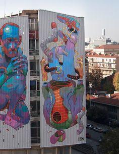 Aryz Joven artista español (Barcelona). Sus trabajos se caracterizan por el uso de rodillos, spray entre otros. Ha intervenido en diversos espacios en toda Europa (Italia, Polonia,etc)