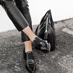 Loafer affair.   #loafer #blackloafer #totalblack #leatherpants #leatheroutfit #mannish #style