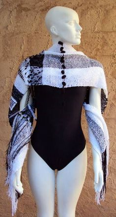Xale Tecelagem Preto e Branco Wetsuit, Bodysuit, Swimwear, Tops, Women, Fashion, Shawl, Weaving, Long Scarf