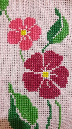 This Pin was discovered by Bur Hand Embroidery Design Patterns, Easy Crochet Patterns, Sewing Patterns, Cross Stitch Borders, Cross Stitch Designs, Cross Stitch Patterns, Magnolia Flower, Yarn Shop, Vintage Patterns