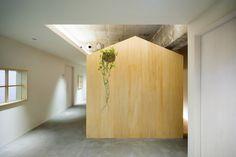 A Hut on the Corridor designed by Tsubasa Iwahashi Architects, Nishi Ward, Osaka, Osaka Prefecture, Japan - 2014.