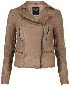 Hardy Leather Jacket thestylecure.com