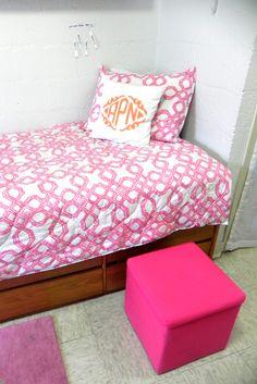 Peepin' Inside My Freshman Dorm // Dorm Room Tour Dorm Comforters, Dorm Life, College Life, Dorm Room Designs, Room Goals, Diy House Projects, Dormitory, Inside Me, Room Tour