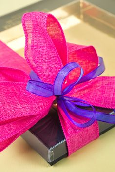 Cintas de regalo para envolver packaging. Selection of ribbons that go along with our designs of boxes and paper.   Evaristo Riera desde 1871