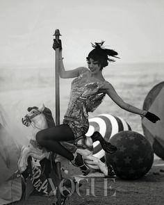 Lee Hyori in Show Girl by Hong Jang Hyun for Vogue Korea May 2013 Carousel Photoshoot, Vogue Photoshoot, Fashion Art, Editorial Fashion, White Editorial, Asian Fashion, Black N White Images, Black And White, Lee Hyori