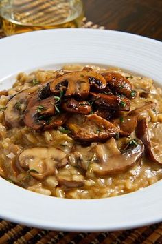Mushroom risotto with dried porcini mushrooms, chicken stock, butter, onion, mushroom - Rice/side dishes - Chicken Rissoto I Love Food, Good Food, Yummy Food, Tasty, Yummy Yummy, Vegetarian Recipes, Cooking Recipes, Healthy Recipes, Vegan Vegetarian
