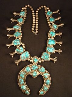 Navajo Squash Blossom Necklace Silver with 3 Turquoise Stone  Naja  Maker : Maggie Bitsuie 1934