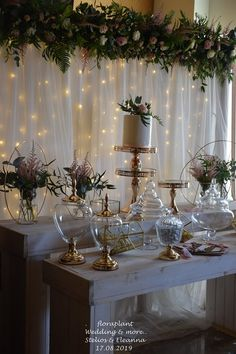 Elegant Golden Details Wedding Decor with Flowers by Floraplant. Wedding Decorations, Table Decorations, Elegant, Holiday Decor, Flowers, Christmas, Events, Holidays, Furniture